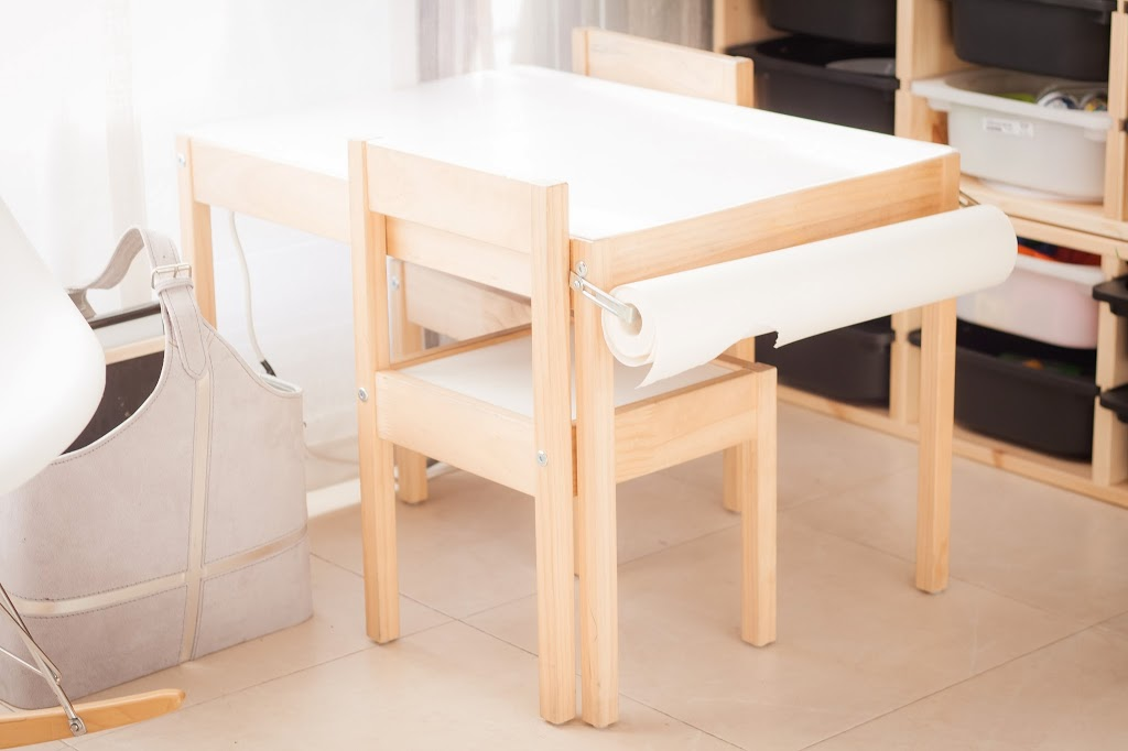 Un craft corner en el sal n tigriteando for Mesa de dibujo ikea