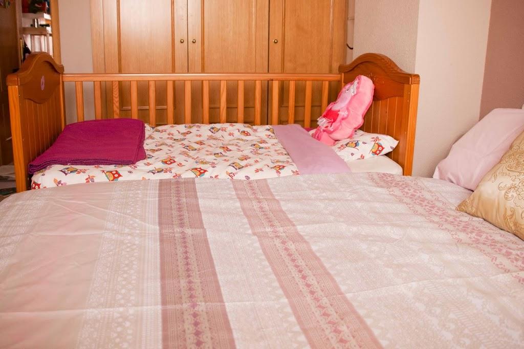 Nuestro dormitorio de colecho tigriteando - Habitaciones con dos camas ...