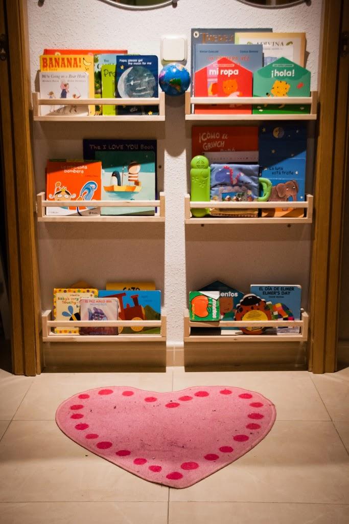 Una mama arquitecta almacenaje de libros diy con - Libreria infantil ikea ...