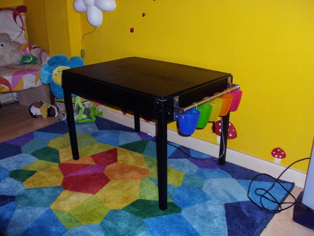 10 formas de construir mesas de luz diy tigriteando - Ikea mesa lack blanca ...