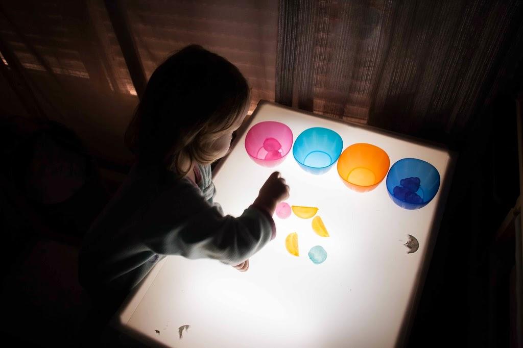 Mesa de luz diy tigriteando for Mesa de dibujo con luz