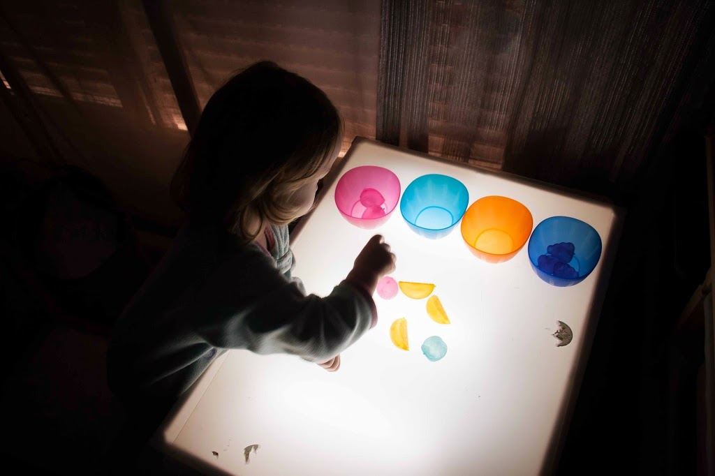 Mesa de luz diy tigriteando for Mesa de dibujo ikea