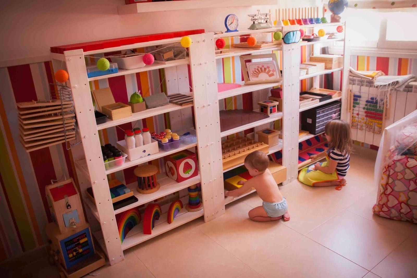 Estanterias montessori como elegir tigriteando - Estanterias para bebes ...