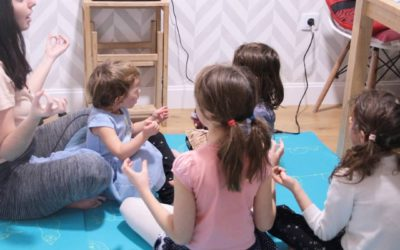 Yoga y meditación con peques + Directo con @lusatnam